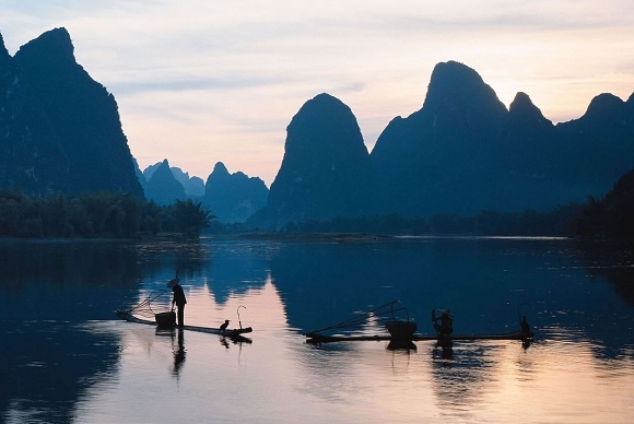 Li-Fluss und Karstlandschaft in Guilin